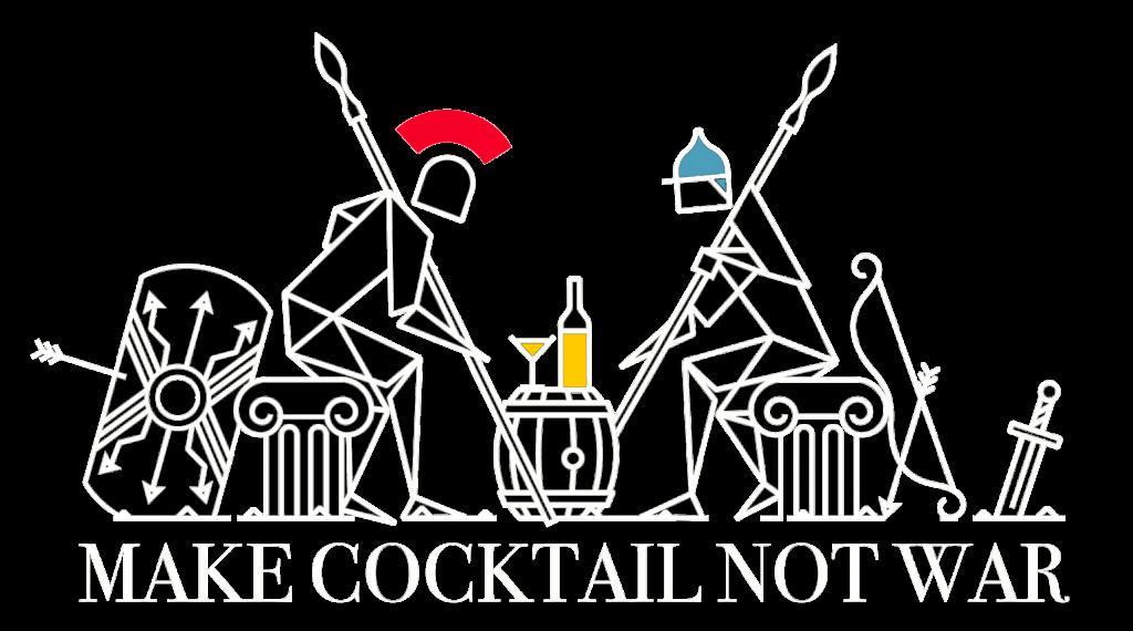 guerrieri seduti ad un tavolo che bevono