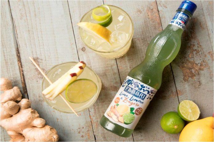 bottiglia di sciroppo al lime, limone e zenzero Fabbri