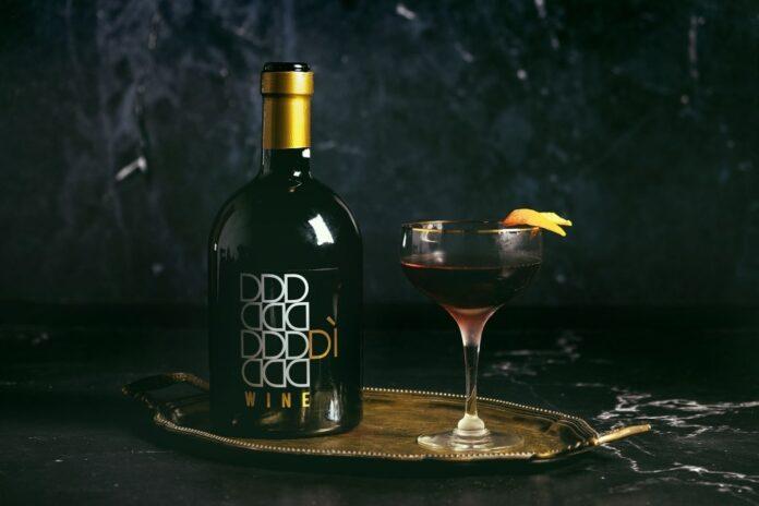 Bottiglia di DìWine, vino fortificato
