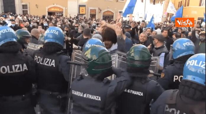 Proteste a Montecitorio, polizia di stato