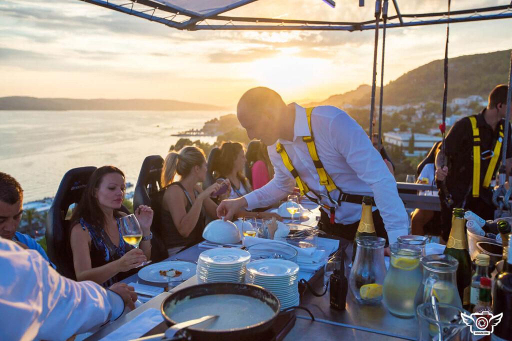 Dinner in the sky, Split
