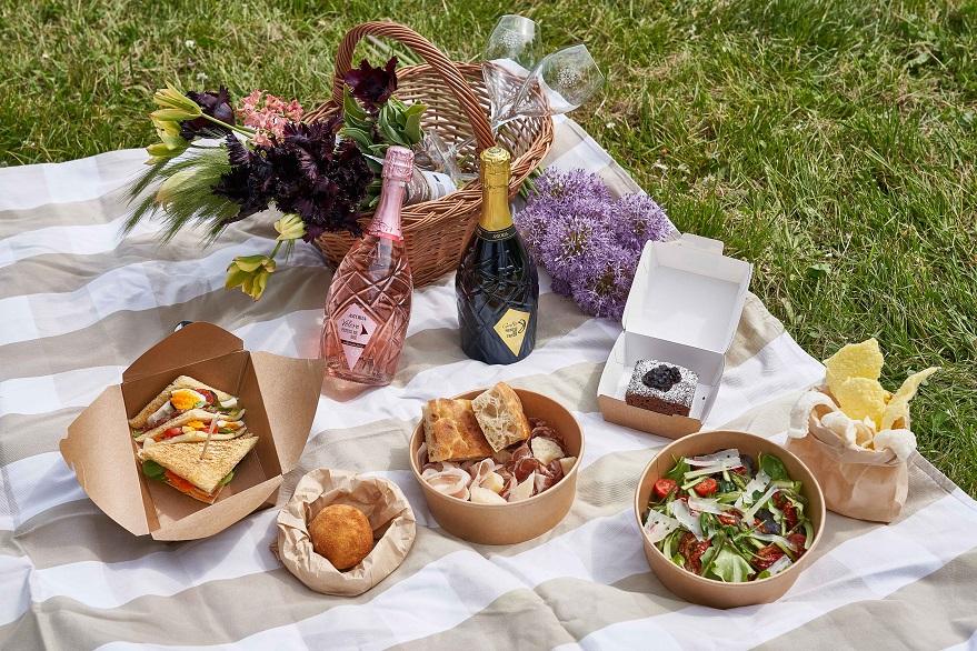 Astoria, bottiglie e picnic