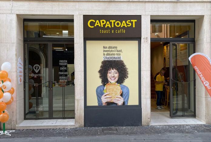 vetrina negozio CapaToast a Ferrara